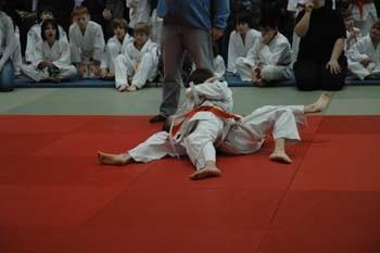 Haltetechnik am Boden-keine Chance für den Gegner sich zu befreien