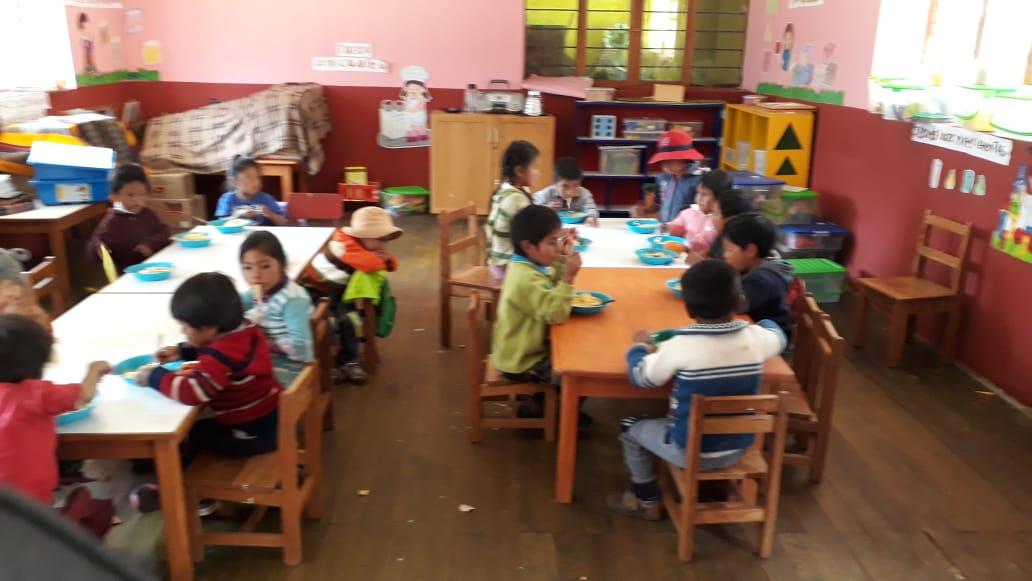 El aula  se usa como comedor - 10septiembre