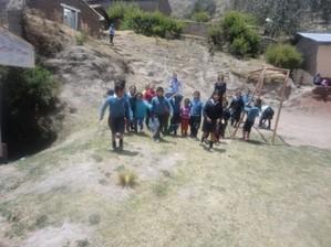 El Biohuerto Educativo suscita el interés de los estudiantes del centro educativo de Yacuraquina (Tayacaja - Huancavelica - Perú)