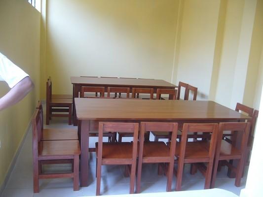 Traslado del mobiliario al comedor.