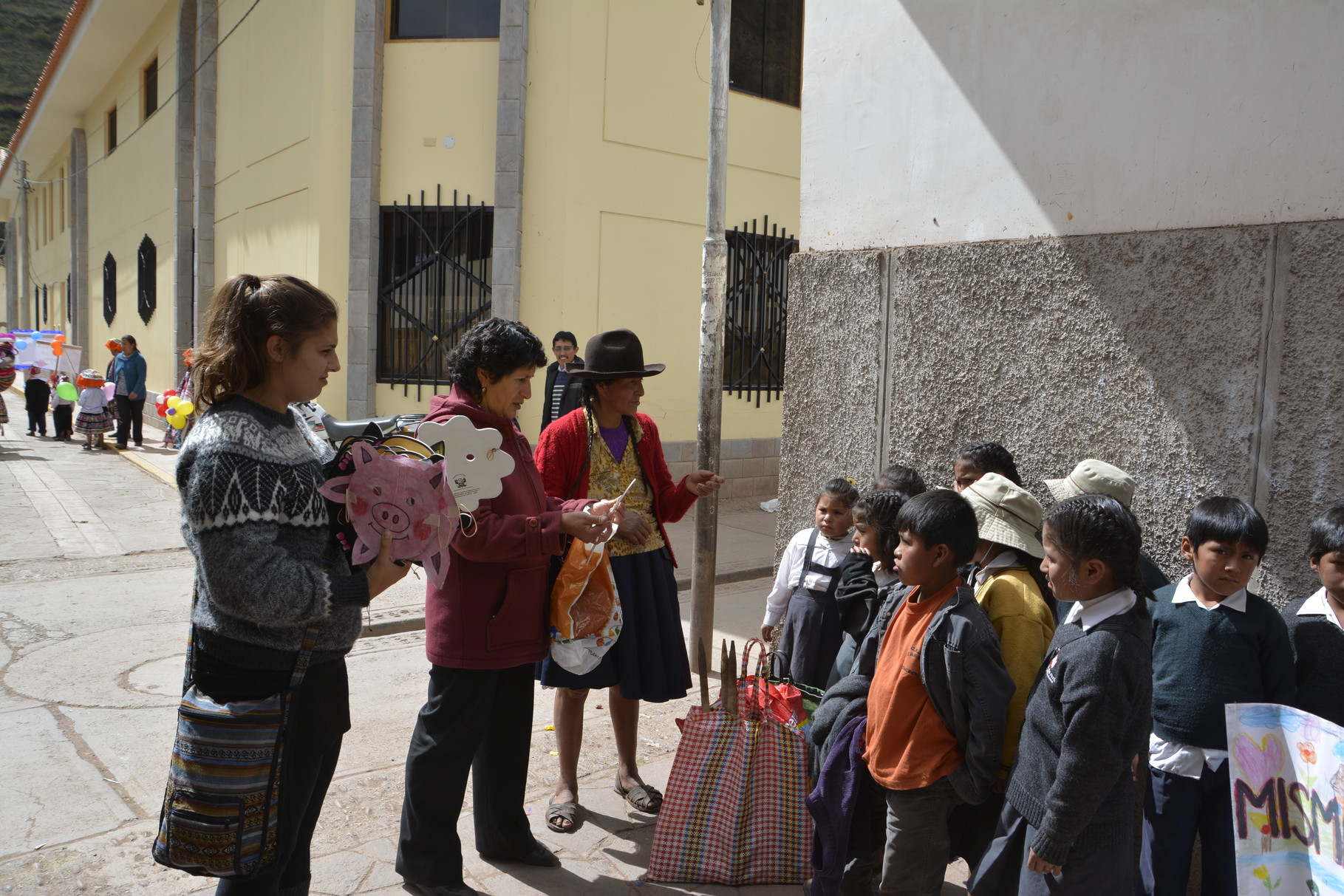 12 Mayo - Llegan a San Salvador
