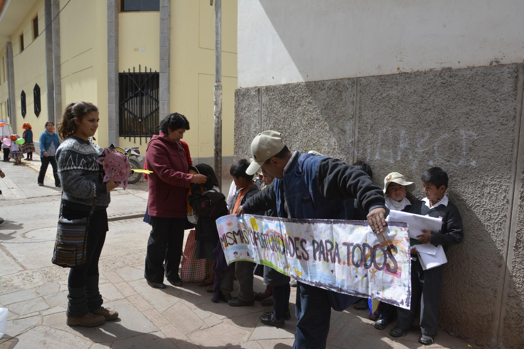 Llegan al Distrito de San Salvador y se organizan