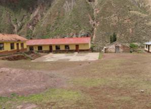 El Biohuerto Educativo de Caicay, al lado de la escuela pública que lleva el mismo nombre (Cusco - Perú)