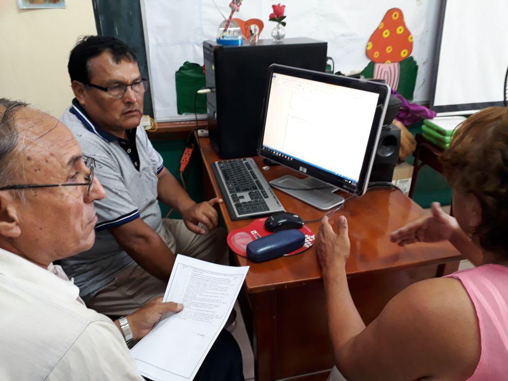 Se trabaja en los ordenadores prestados por IE. San Carlos