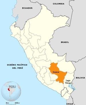 El Cusco, en color naranja, ubicado en el sud-este del territorio peruano, una región en la que los Biohuertos Educativos van labrándose su camino... (Foto: Wikipedia)