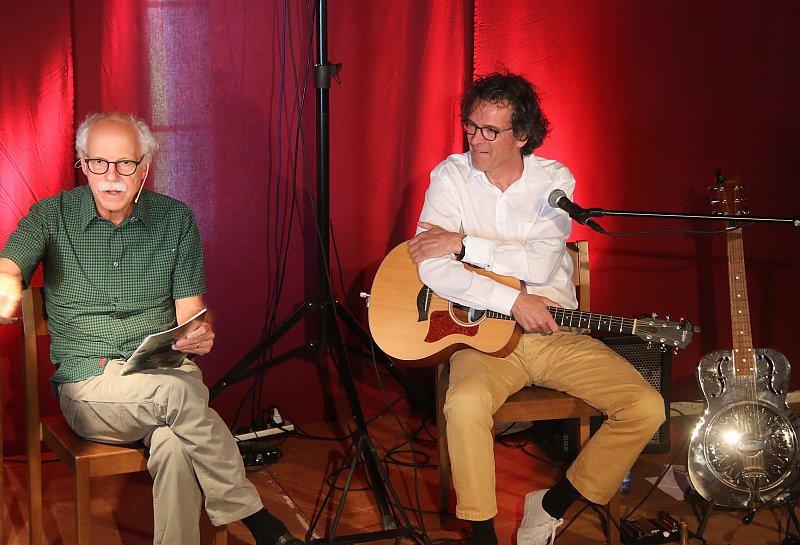 Walter Däpp und Ronny Kummer 2017 in der Kommende in Reiden/LU (Foto: Willisauer Bote)