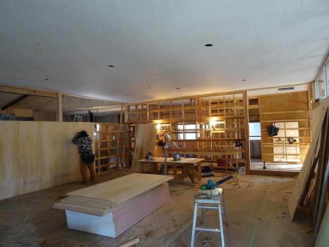 2020.1.21 地元三股町の大工さんが、熱心に取り組んで下さっています。