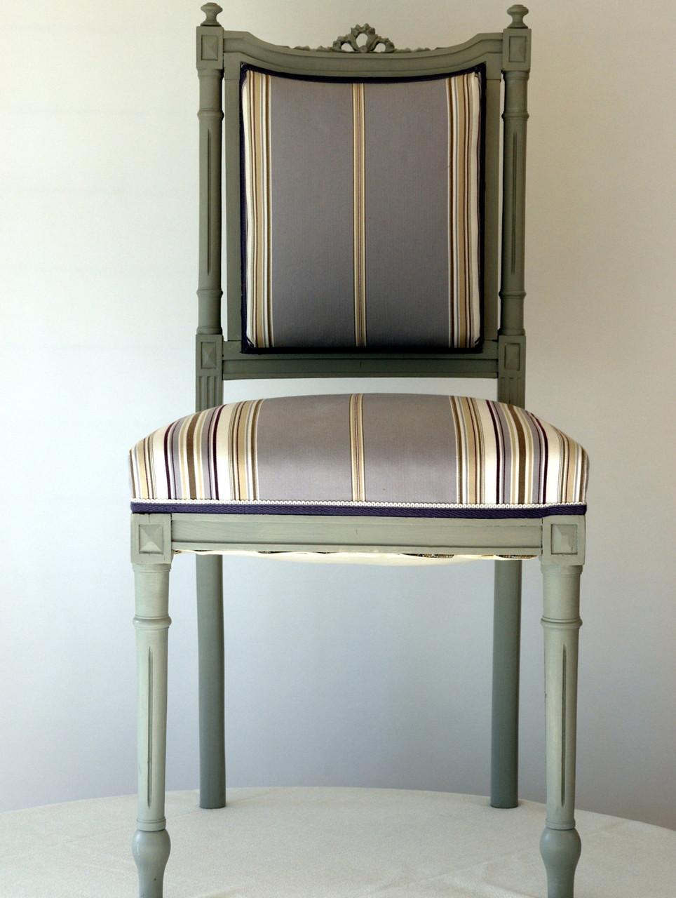 Chaise de style, peinture, tissu, garnissage à l'ancienne, 2 pièces disponibles,