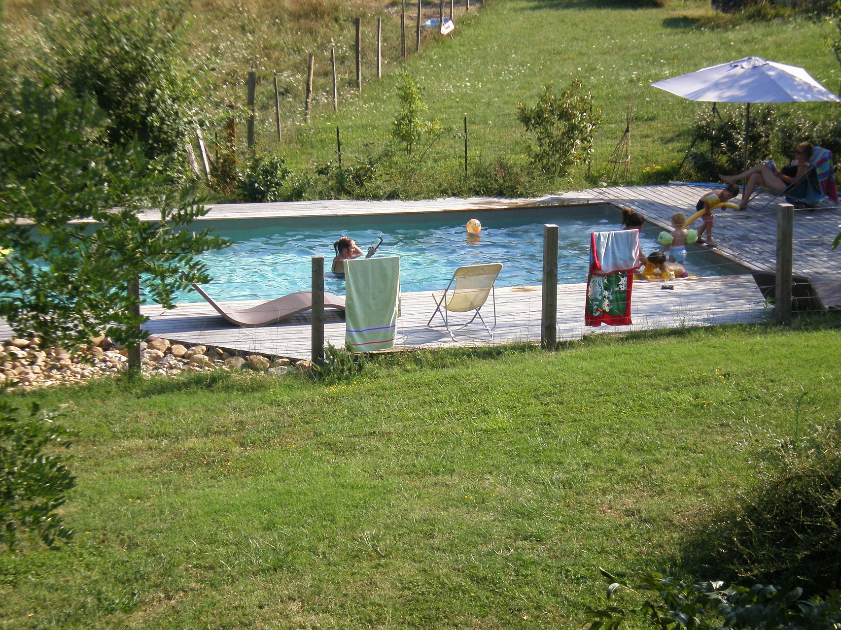 vacances en famille à la piscine