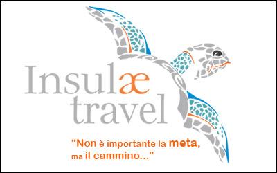 logo con slogan insulae travel ischia