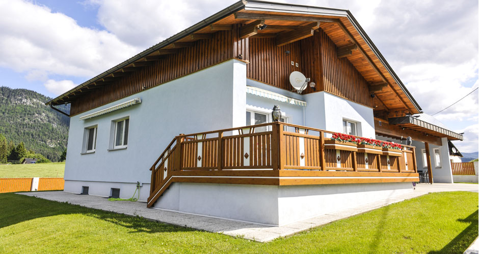 Balkongeländer Alu Zürich Holzoptik