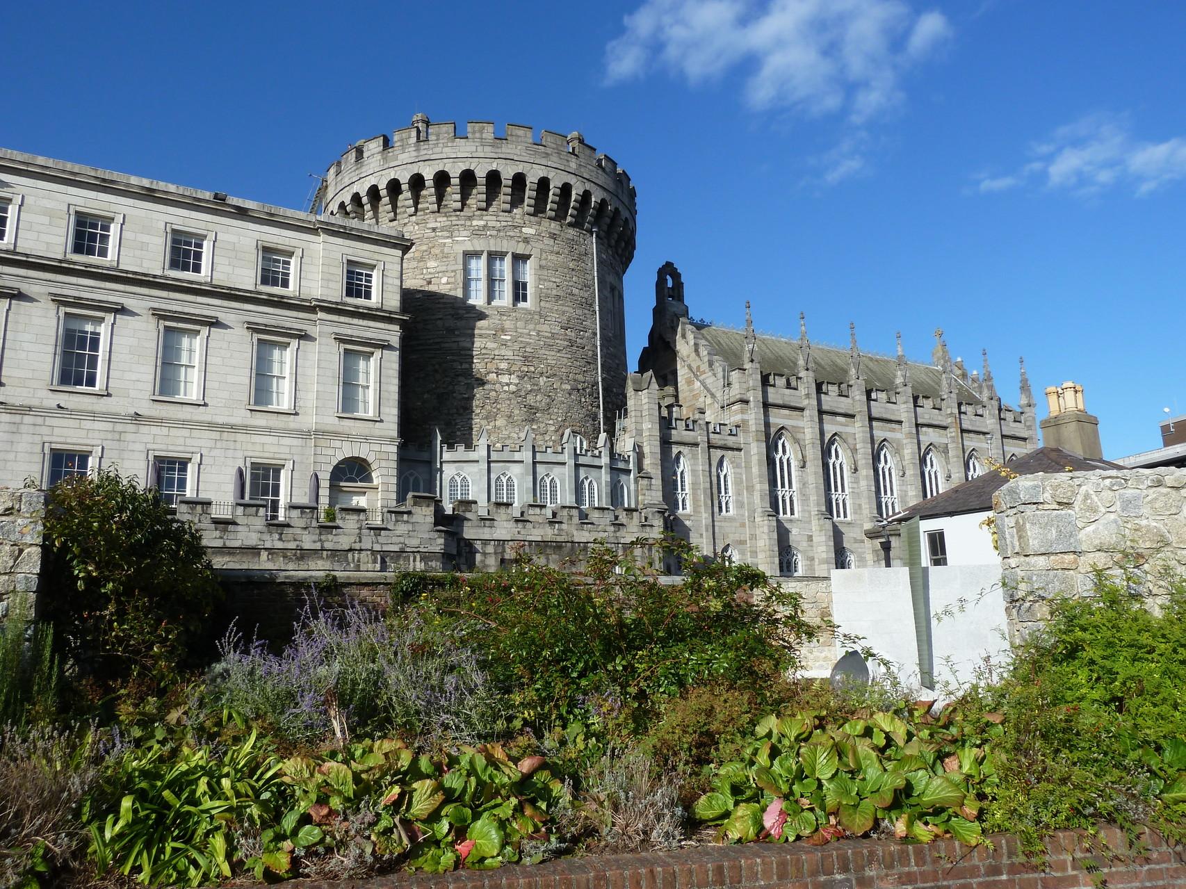 Hinter Dublin Castle