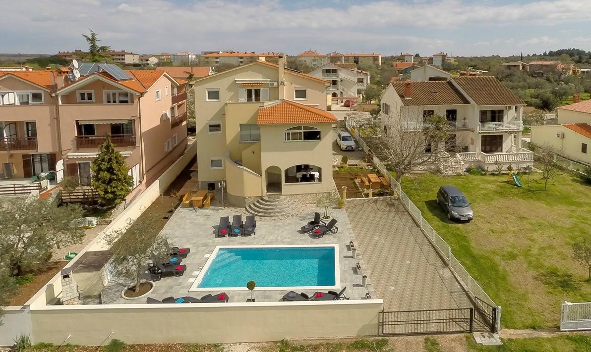 Villa Colonia Poolterrasse Luftaufnahme 2016