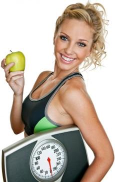"""femme contente d'avoir maigri avec le programme """" la diète 3 semaines """""""