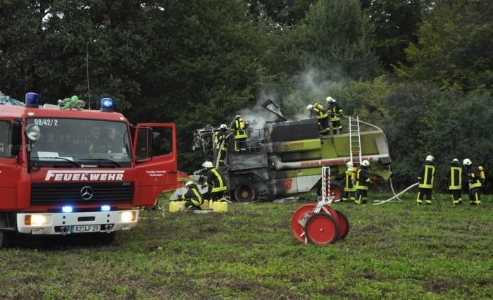 Mähdrescherbrand in Hollenbek, 2010