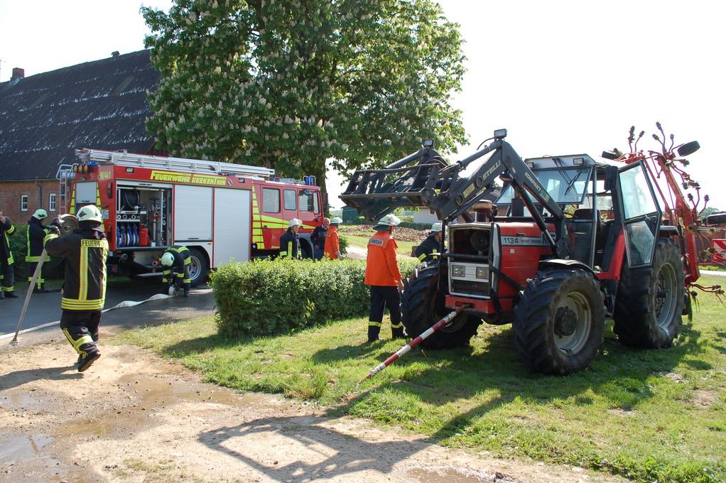 Traktorbrand in Göldenitz, 20.05.2012