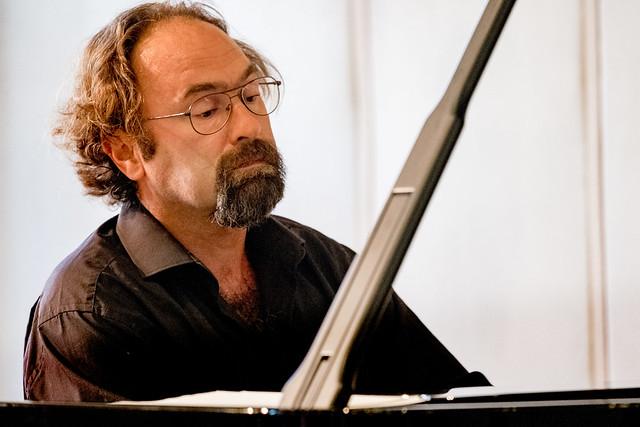 Der Pianist Jonathan Powell