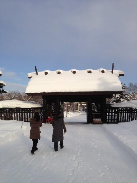 本番当日、ホール近くの護国神社へ成功祈願