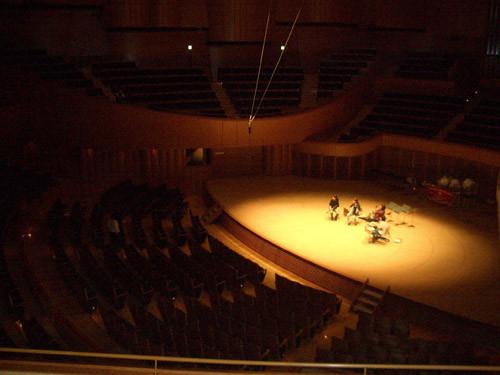 本番前日、コンサートホール「キタラ」にて音響と位置確認