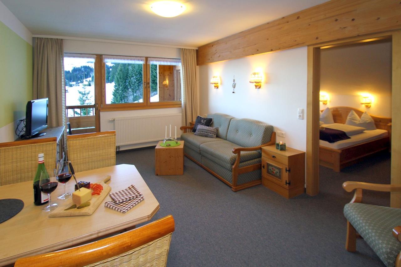Ferienwohnung Wiesengrund in Riezlern, Kleinwalsertal –Alpaglöckle Wohnraum