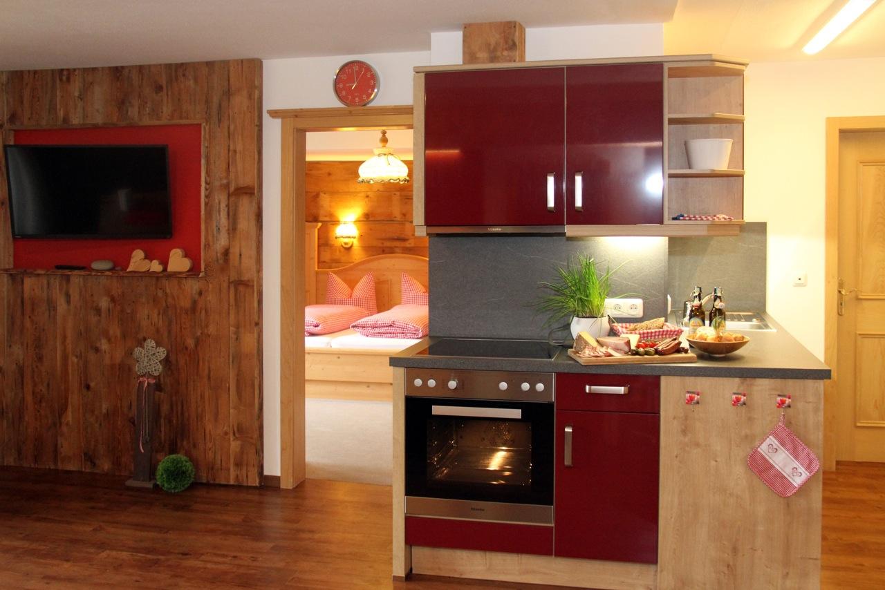 Ferienwohnung Wiesengrund in Riezlern, Kleinwalsertal – Mädesüß, neue Küche