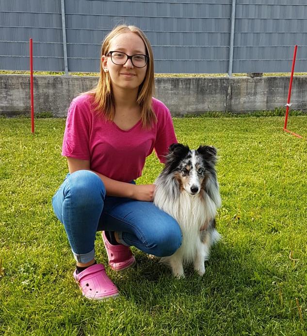"""ApplejackHighball """"Jolly"""" hat sich mit seinem jungen Frauchen Toni zur JEO (Jugend Europameisterschaft) im Agility in Holland qualifiziert! Wir sind unheimlich stolz auf Euch und drücken fest die Daumen im Juli 2018 🍀"""