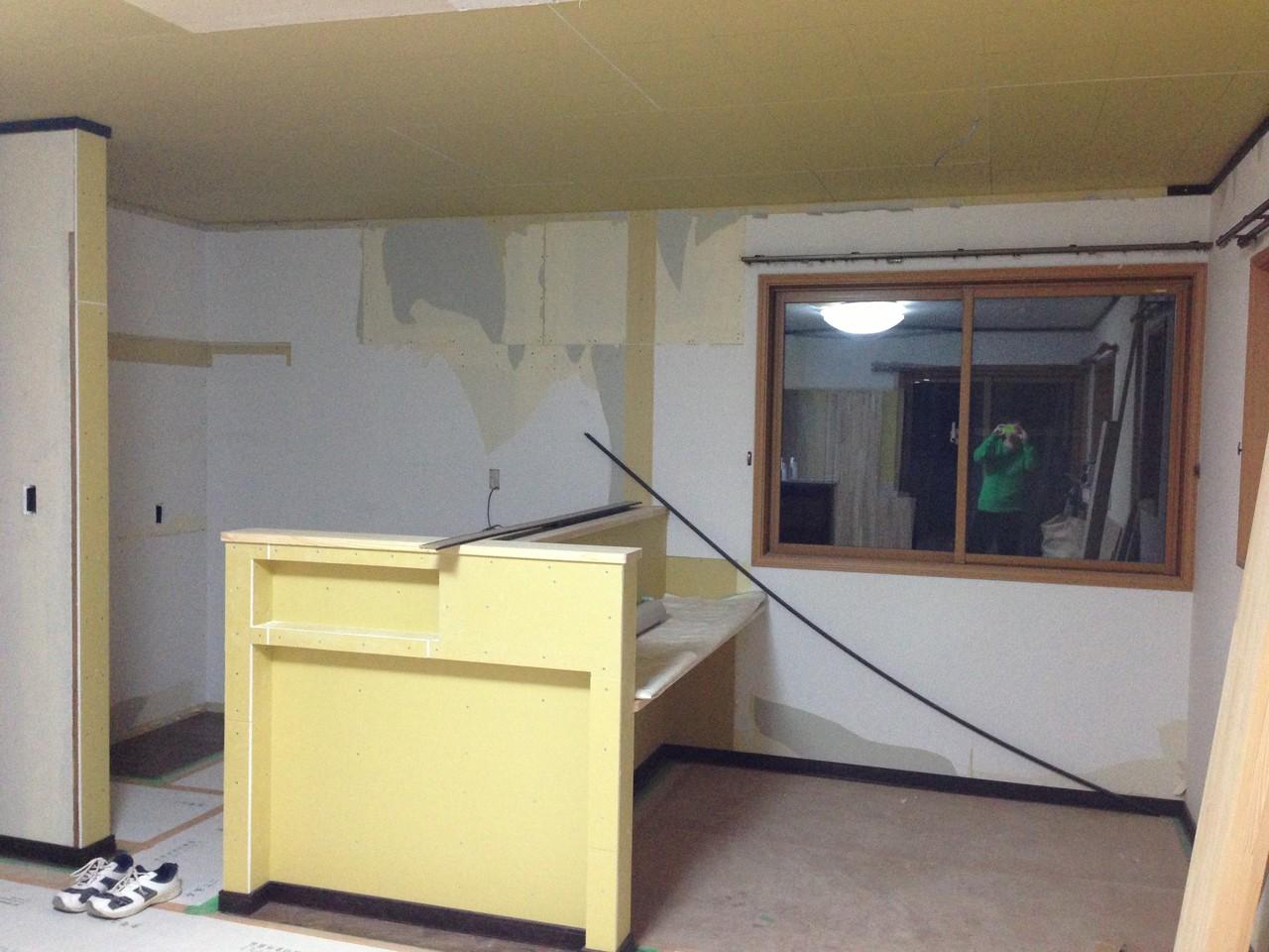 ウォークインクローゼットと書斎だった場所にキッチンをつくります