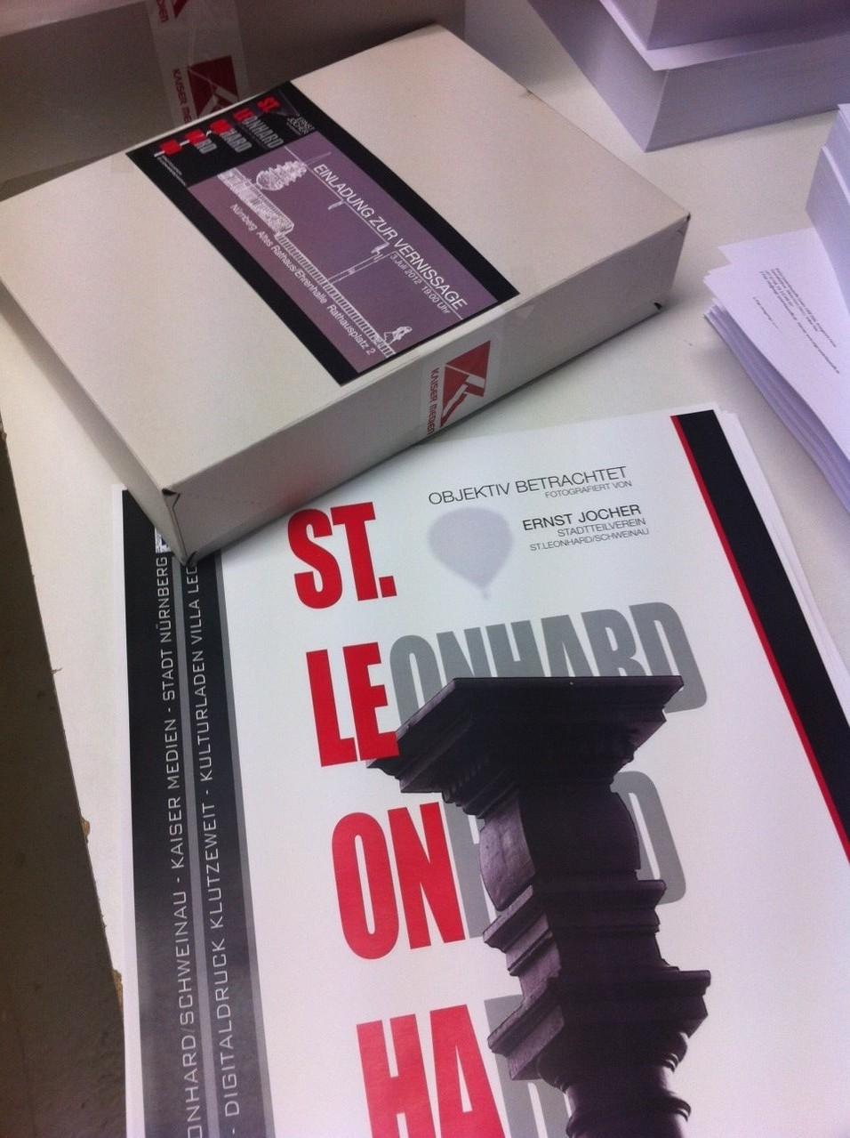 Flyer und Plakate die Vernissage: St. Leonhard Objektiv betrachtet.