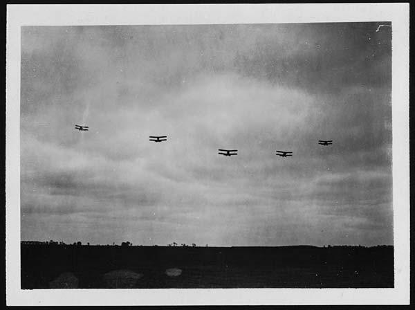 Formations-Angriffsflug im 1.Weltkrieg