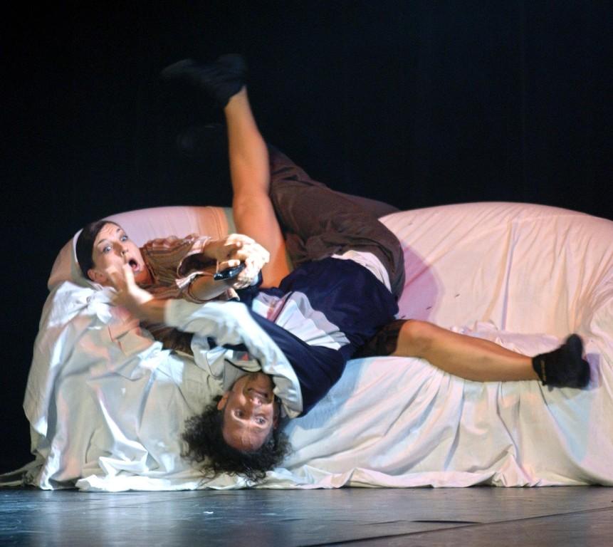 KaRi-dance.COMPANY - screened - 2003 (Foto Jörg Schollenbruch)