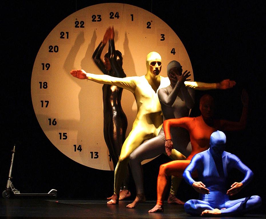 KaRi-dance.COMPANY - zyklus - 2001 (Foto Jörg Schollenbruch)