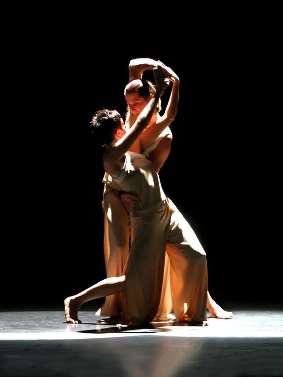 KaRi-dance.COMPANY - Genesis - 2005 (Foto Oscar Henn)