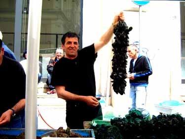ブリンディシの魚市場 ムール貝
