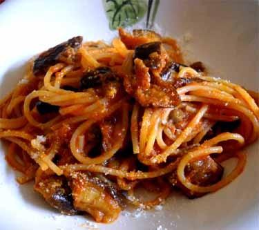茄子とペコリーノサルドのスパゲッティ