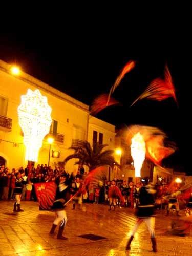カロヴィーニョの旗振り隊の演技