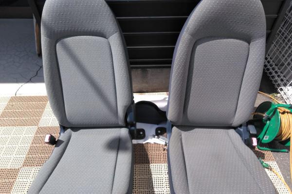 シートの取り外し洗浄|車内の特殊クリーニング【カーフレッシュ新潟】
