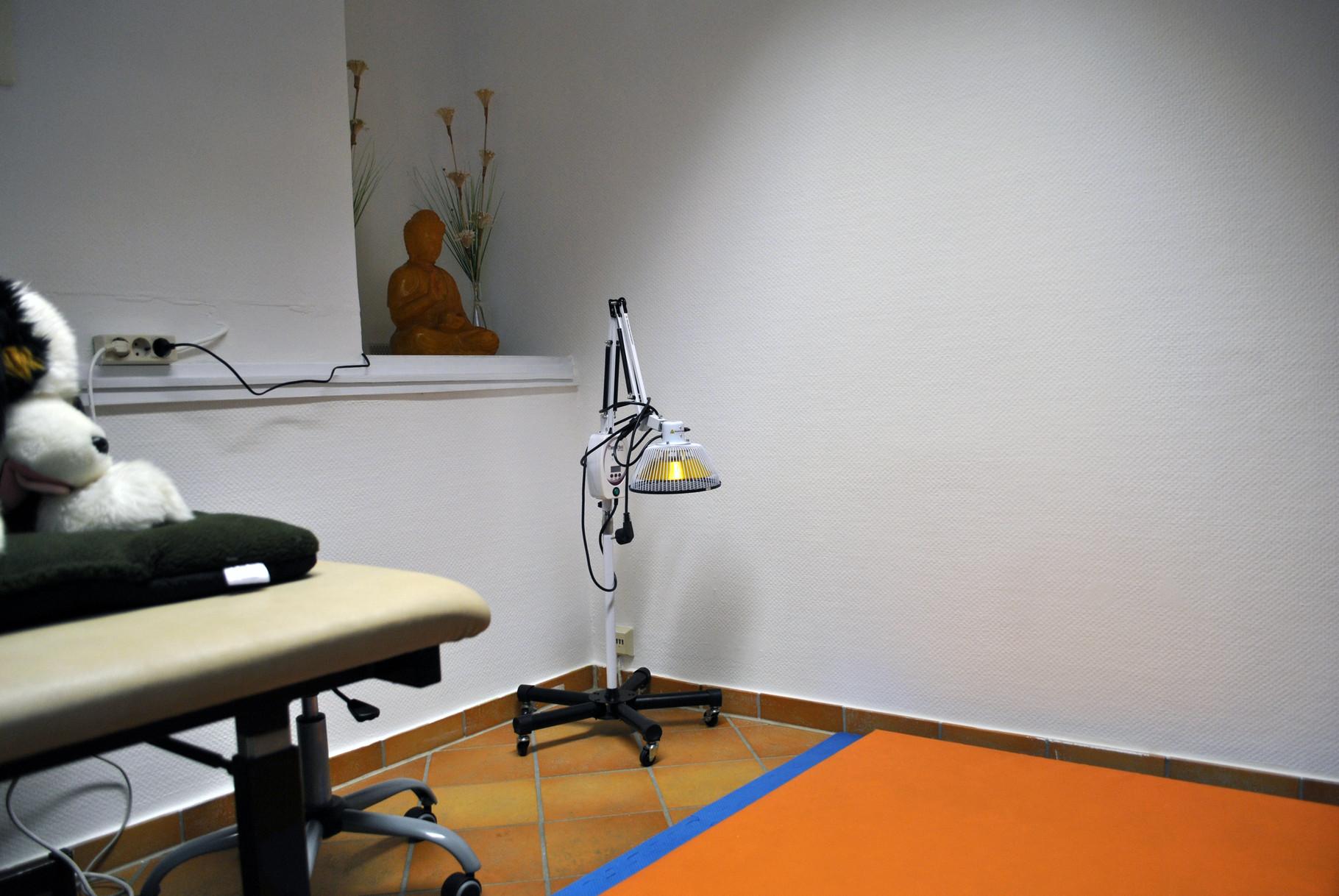 Platz für Therapie mit Moxa-TDP-Lampe