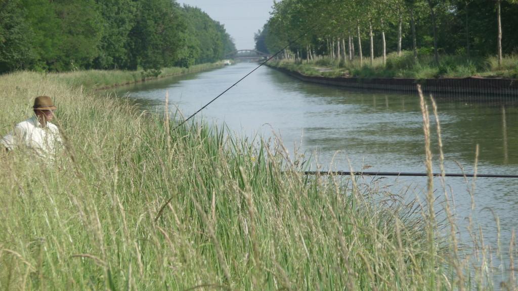 Pêcher le long du canal