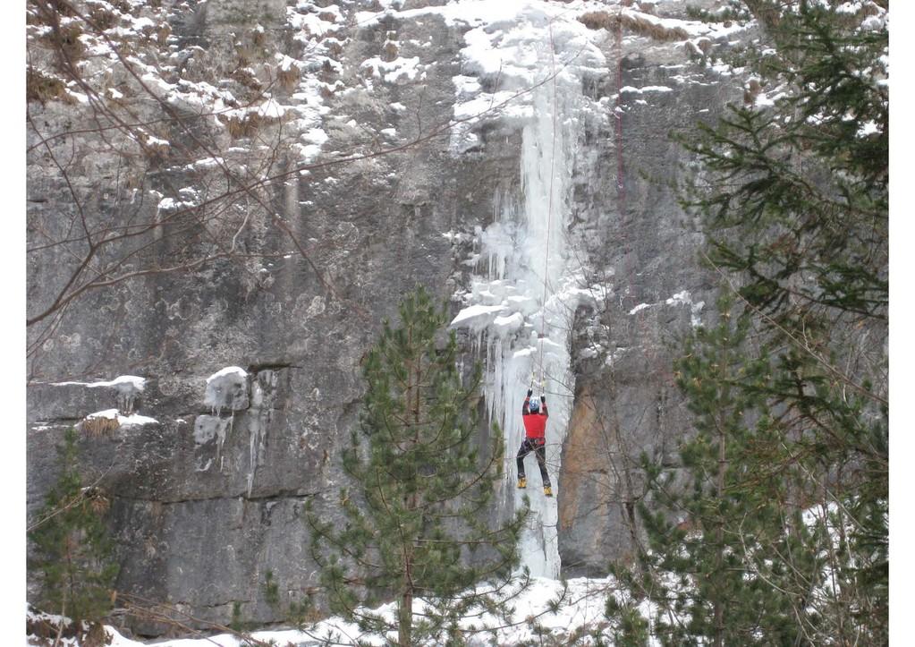 cascata Stellina bella - il muro verticale (foto M. Campolongo)