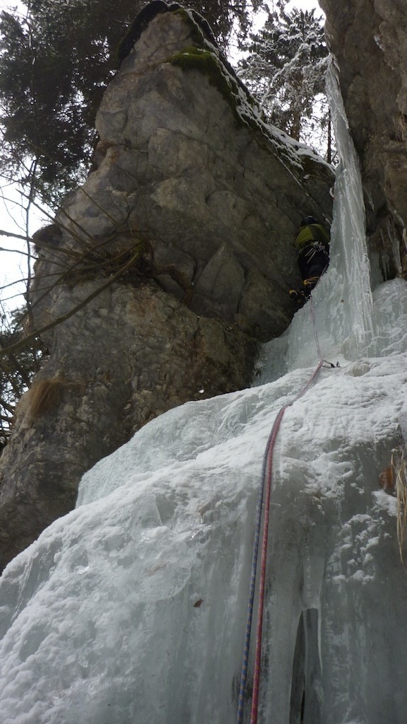 Asiago - canyon Gelpach: cascata alta 3° tiro
