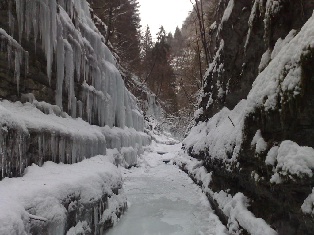 Altopiano di Asiago - cascate in val D'assa