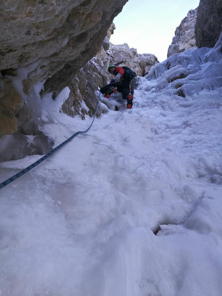 Carezza, cima Mosca - salto ghiacciato nel Vajo Intramosca (GEN 2018)