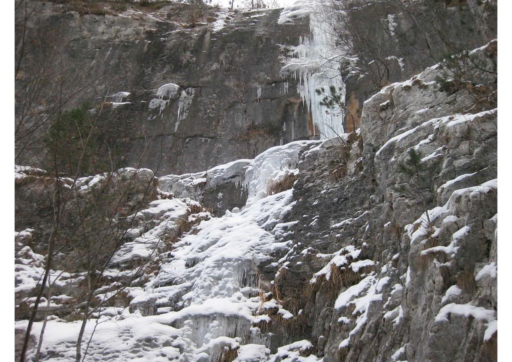 Boccaldo - valle di Rio Orco (Rovereto) - cascata Stellina bella