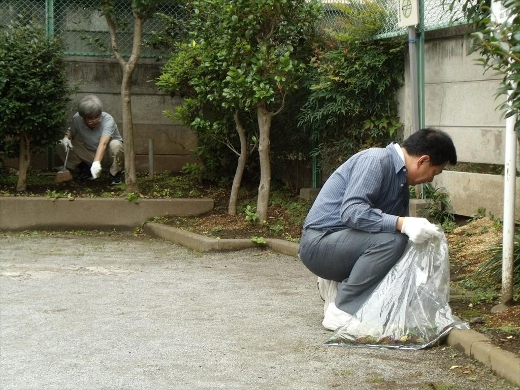 防災広場の清掃_005