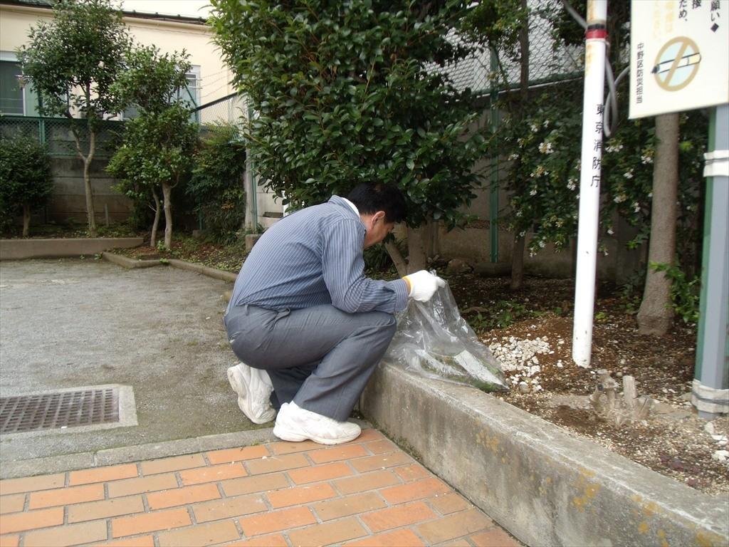 防災広場の清掃_003