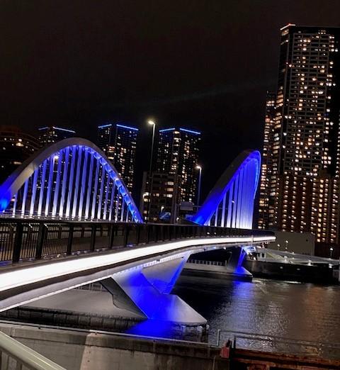 築地大橋のライトアップ