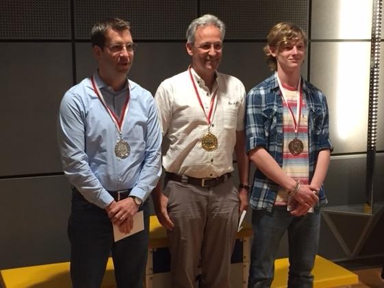 1. Rang Reto Egger (6.5 Pt., mitte), 1. Rang Oliver Thalmann von der SG Zürich (5.5 Pt., links), 3. Rang Armando Hauser aus Payerne (5.5 Pt., rechts).