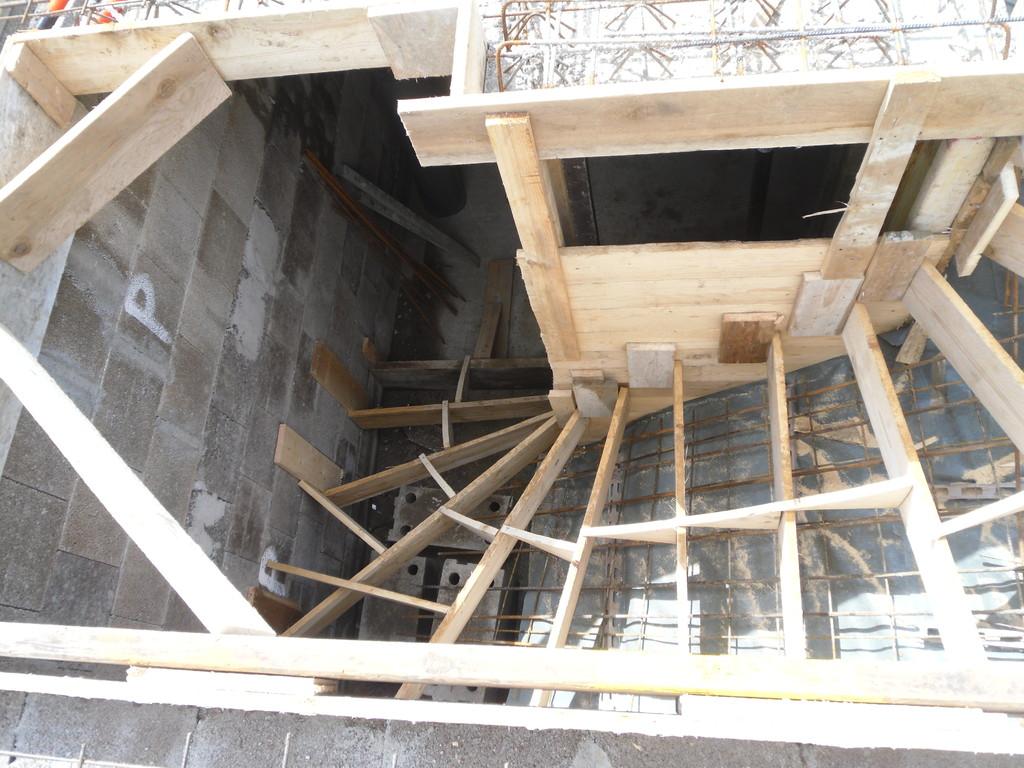 doppelt gewendelte Treppe