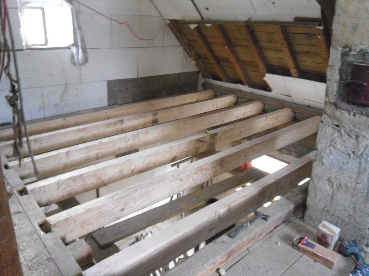 Einfamilienhaus - Decke Dachgeschoß