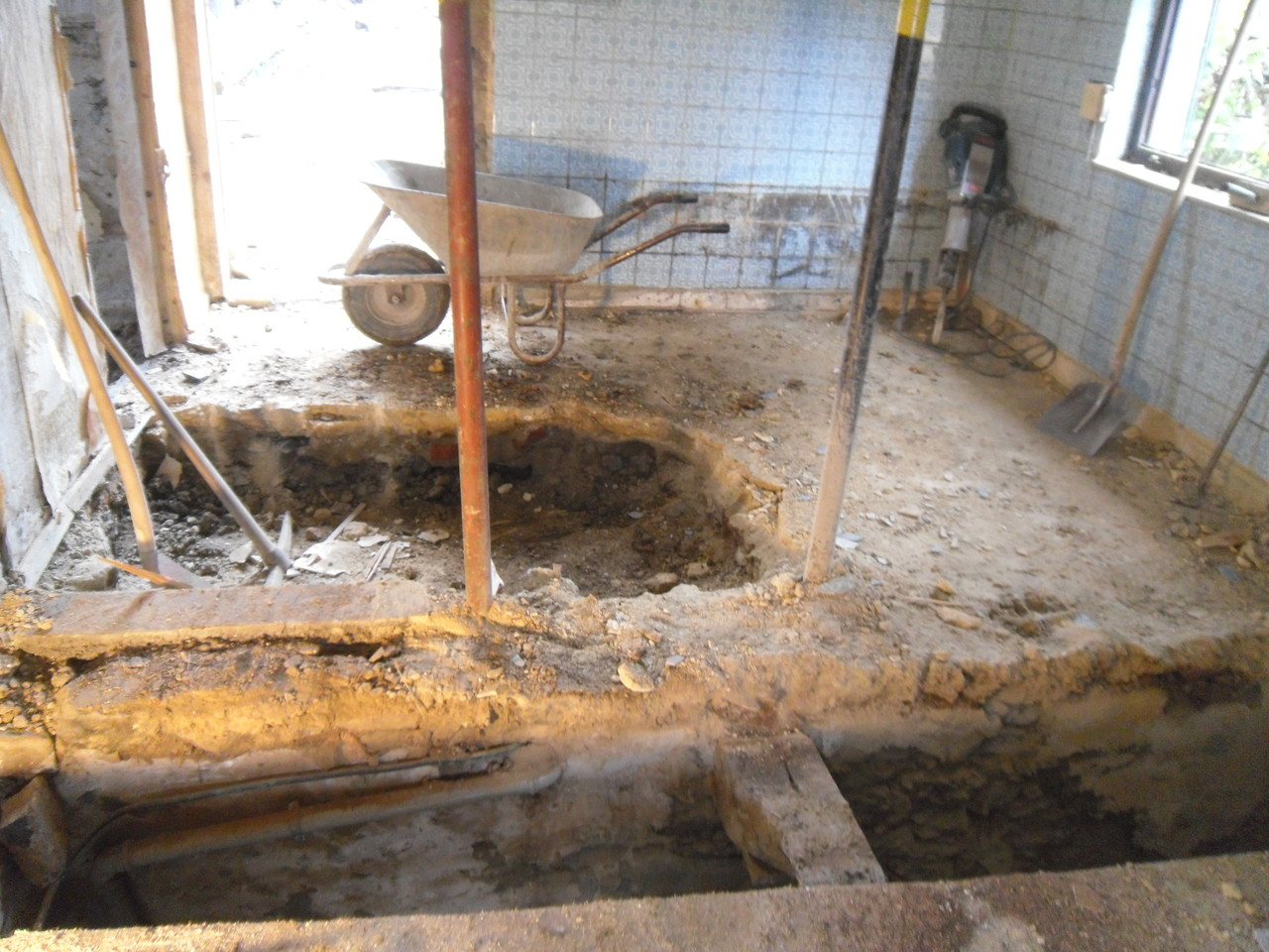 Einfamilienhaus - Ausschachtung Bodenplatte